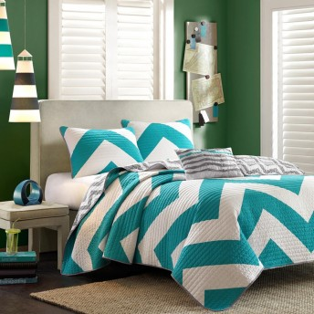 Mizone Chevron Reversible Quilt Set
