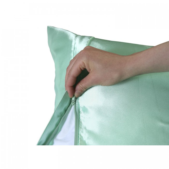 s-satin-pillowcase-zipper-zoom.jpg